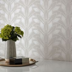An opulent Art Deco inspired fan design wallpaper in indulgent ivory pearl with glistening beads on a lustrous cream textile background. Minimal Wallpaper, White Wallpaper, Op Art, Designer Wallpaper, Dark Colors, Accent Colors, Pearl Beads, Interior Styling, Art Deco
