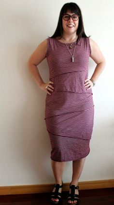 Cookin' & Craftin': Vogue 8904: The Shingle Dress