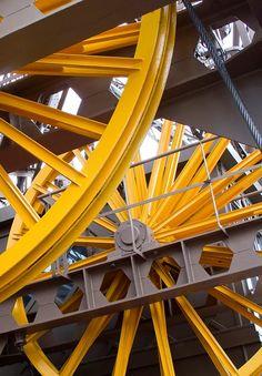 Paris - Détails de la machinerie - Ascenseur de la Tour Eiffel  //  The lift mechanism of the Eiffel Tower - Paris