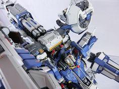 One of the best massive armament in the UC era, The Deep Striker Gundam  and this is PROJ-OO33 Tief Stürmer Blue-White Version by BIGGUN...