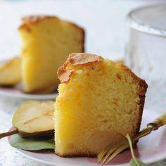 Découvrez la recette Gâteau aux poires et au rhum sur cuisineactuelle.fr.