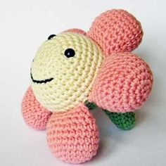 Happy Flower amigurumi pattern by Marika Uustare