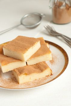 Ein griechisches Dessert aus Grieß, mit viel Zimt bestäubt. Sooo lecker! #Dessert