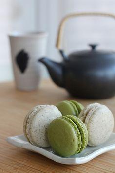 Matcha (Japanese Green Tea) Macarons  http://www.brandnooz.de/products/teekanne-chinesischer-sencha