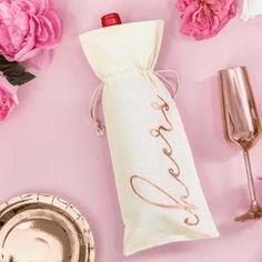 Thirsty Thursday. Unsere rosé golden bedruckten Leinenbeutel sind einfach die perfekte Verpackung für Geschenke 😍 Cheers @die_macherei  Cheers, Napkin Rings, Instagram, Home Decor, Packaging, Amazing, Simple, Decoration Home, Room Decor