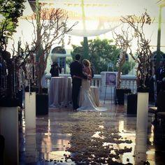 Bellagio Las Vegas Wedding Ceremony. We can help you. Book with us.