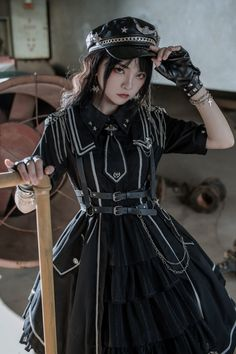 Harajuku Fashion, Lolita Fashion, Girl Fashion, Old Fashion Dresses, Fashion Outfits, Military Fashion, Military Style, Fantasy Dress, Character Outfits
