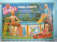 Vintage barbie's swimming-pool / pool-party mattel 1974.Zwembad. Accessoires. Compleet en alle onderdelen in goede staat, alleen van de ligstoel ontbreken de stickers en de drijvers. Met de