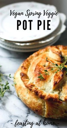 Vegan Pot Pie with Spring Veggies! A simple delicious pot pie recipe made with flakey puff pastry crust that features vibrant spring veggies. Simple, easy and full of flavor! Vegan Savory Pie Recipe, Vegan Pies Savoury, Vegan Pot Pies, Vegan Pastries, Vegan Dinner Recipes, Vegan Dishes, Whole Food Recipes, Dinner Healthy, Eat Healthy