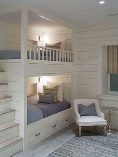 Built in bunks House of Turquoise: Sophie Metz Design Bunk Beds Built In, Bunk Beds With Stairs, Kids Bunk Beds, Bunkbeds For Small Room, Loft Beds, Build In Bunk Beds, Bunk Beds For Adults, Built In Beds For Kids, Bunk Bed Ideas For Small Rooms