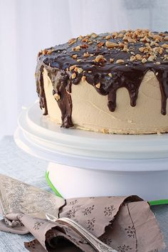 Smitten Kitchen's chocolate peanut butter cake and baking with natural peanut butter