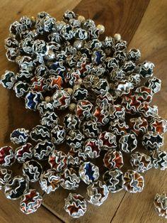 Kleine Nespresso-Kugeln für Schmuck Recycled Crafts, Diy Crafts, Coffee Pods, Christmas Wreaths, Holiday Decor, Jewelry, Espresso Coffee, Xmas, Stuff Stuff
