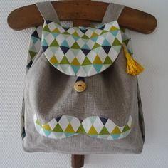 """Petit sac à dos """"moustache""""  enfant, crèche/maternelle, en lin et coton"""