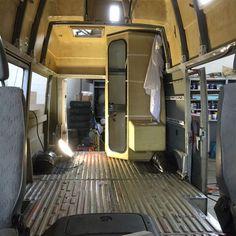 Survival camping tips Vw Lt Camper, Travel Camper, Camper Caravan, Camper Life, Van Conversion Interior, Camper Van Conversion Diy, Vw Lt 4x4, Camper Van Shower, Ducato Camper