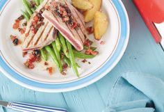 Thunfischsteak mit roter Salsa und Wedges