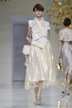 Guo Pei Couture Spring Summer 2016 Paris via @nowfashion
