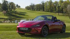 """Cars - Mazda MX-5 : tous les salariés de Mazda France se voit """"offrir"""" le roadster star ! - http://lesvoitures.fr/mazda-mx-5-tous-les-salaries-de-mazda-france-se-voit-offrir-le-roadster-star/"""