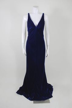 Jacqueline De Ribes Stunning Midnight Blue Velvet Evening Gown | From a collection of rare vintage evening dresses at https://www.1stdibs.com/fashion/clothing/evening-dresses/
