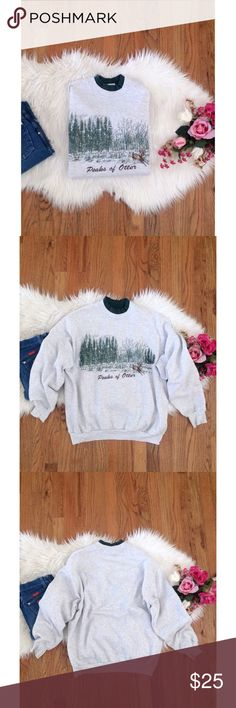 Vintage Lee Nature Embroidered Pullover 🍂🍁 Awesome vintage early 90's Lee pullover crewneck sweater! Features light grey background with a sweet Peaks Of Otter print & embroidered combo graphic. Super comfy and cozy! In excellent vintage condition. Will fit a variety of sizes depending on your desired fit! Modeled on a size xs/small, 5'2 height :) Vintage Sweaters Crew & Scoop Necks
