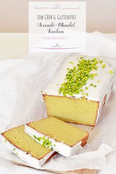 Fresh from the oven: low-carb avocado-almond cake, very tasty and gluten-free. Cake Free Fresh from the oven: low-carb avocado-almond cake, very tasty and gluten-free. Healthy Low Carb Recipes, Low Carb Desserts, Low Carb Keto, Healthy Cake, Healthy Sweets, Healthy Eating, Cupcake Recipes, Snack Recipes, Dessert Recipes