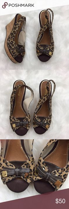 ⛱Sperry Leopard Print Slingback Cork Wedges Sperry Top-sider Women's Leopard Print Slingback Peep Toe Cork Wedges Size 9  This has been gently worn.  There is a bump on the bottom of the left shoes.  The is is mark near the toe on the left. Please refer to photos for more details. Sperry Top-Sider Shoes Wedges