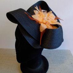 Bibi fascinator coiffe cérémonie mariage noir et orange