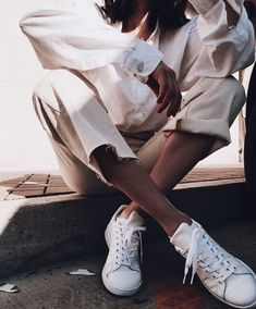 20 White Sneaker Outfits You'll Want To Live In This Summer