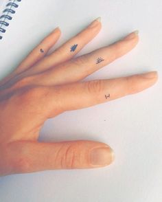 idk who's hand this is but I love the tattoos