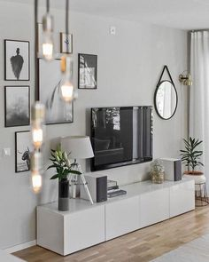 7 Warm and Comfortable Living Room Designs - Focus wall design inspiration for . 7 Warm and Comfortable Living Room Designs - Focus wall design inspiration for small living rooms - Comfortable Living Rooms, Small Living Rooms, Home And Living, Tv Room Small, Decorating Small Living Room, Small Spaces, Living Area, Condo Decorating, Beautiful Living Rooms