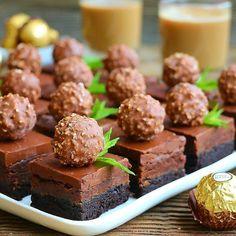 """1,268 Beğenme, 62 Yorum - Instagram'da Canan Görenek (@cupcakepembe): """"Çikolatalı truf brownie ile herkese merhaba 🙌 Ben bu lezzete aşık oldum 😍😍 Tatlı 3 ayrı kattan…"""""""