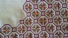 Cross Stitch Borders, Cross Stitch Patterns, Cross Stitches, Beaded Embroidery, Cross Stitch Embroidery, Greek Pattern, Knitting Needles, Needlepoint, Bargello