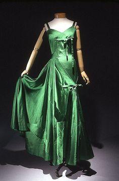 Evening dress, 1950 (Met Museum)