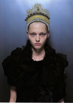 sasha pivovarova//crown