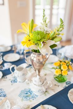 Cherry's Very Vintage Rentals perfectly styled this bridal shower located at San Francisco Yacht Club in Belvedere, CA. These table settings perfectly mix old and new for a fresh, fun look! Photography by Fancy Fig Photgoraphy