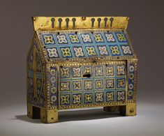 Reliquary Chasse with the Adoration of the Magi. French (Limoges). ca. 1200–30. Copper gilt, enamel (champlevé)  British Museum. ToH 184x