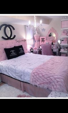 25 Beauty Chanel Bedroom Ideas and Furnitures Girl Bedroom Designs beauty Bedroom Chanel Furnitures Ideas Cute Bedroom Ideas, Cute Room Decor, Girl Bedroom Designs, Room Ideas Bedroom, Awesome Bedrooms, Design Bedroom, Bed Room, Bedroom Ideas For Teen Girls Tumblr, Budget Bedroom