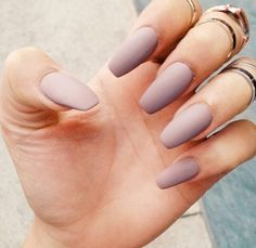 I don't know why I have an obsession with matte nails ! Pastel purple matte nails :D