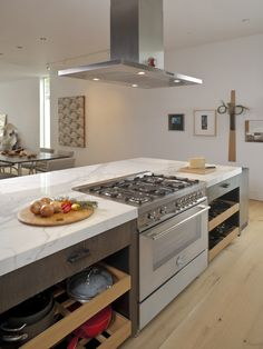 Bertazzoni range with vent in island
