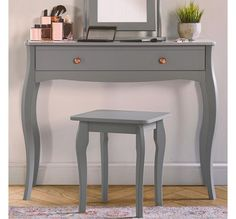 Shabby Chic Grey Dressing Table Bedroom Vintage LOOK Retro Wooden Furniture for sale online Shabby Chic Dressing Table, Small Dressing Table, Dressing Table Desk, Vintage Dressing Tables, Dressing Room, Dressing Table With Drawers, Dressing Mirror, Retro Bedrooms, Shabby Chic Bedrooms