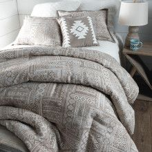 Comfy bedding for the home Types Of Furniture, New Furniture, Furniture Making, Bedroom Furniture, Rustic Bedroom Design, Farmhouse Master Bedroom, Bedroom Designs, Bedroom 2018, Bedroom Sets
