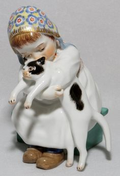 """MEISSEN PORCELAIN FIGURE OF A GIRL WITH CAT 5""""H"""