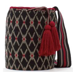 Exclusive SUSU Accessories collection Cross-body BUCKET Bags, handknitted by the most talented artisans of the Wayuu ethnicity in Colombia. Crochet Stitches Patterns, Knitting Patterns, Diy Bags Patterns, Tapestry Crochet, Tapestry Bag, Crochet Purses, Knitted Bags, Hand Knitting, Hand Weaving