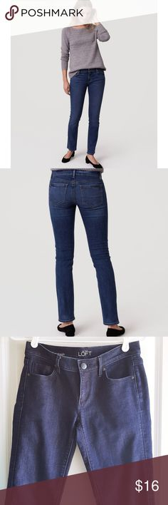 """LOFT Modern Straight Leg Indigo Jeans Get that classic blue jean outfit with these Loft straight leg jeans in EUC. 👕 75% Cotton 23% Polyester 2% Spandex 📏Waist-25"""" 📏Inseam-28"""" 📏Outseam-36"""" 📏Hips- 34"""" 💚 Every listing purchased enters you in for a monthly gift card giveaway. LOFT Jeans Straight Leg"""