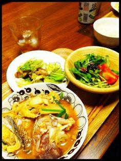 鯛のあらで - 3件のもぐもぐ - 海鮮チゲスープ、サラダ、軟骨と春キャベツのにんにく炒め by chirarhythm