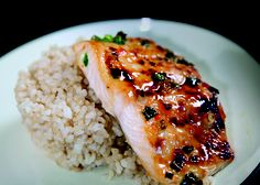 #AHMRecipes: Chili-Garlic Glazed Salmon with Brown Rice #HealthierMI