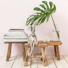 Tabouret enfant ou marche pied vintage - Vintage wood stool sur Le Petit Florilège