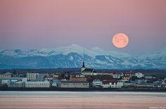 Borgarnes under a full Moon, west Iceland      Borgarnes under a full Moon and early morning sunrise. West Iceland.   Credit: Skarphéðinn Þráinsson