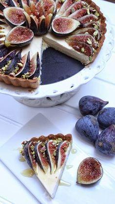 Tarta de higos con requesón y miel paso a paso Fig Recipes, Sweet Recipes, Cake Recipes, Dessert Recipes, Cooking Recipes, Creative Food, Food Inspiration, Love Food, Tapas