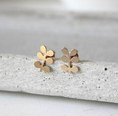 Vergoldete Ohrstecker, die alle Blicke auf sich ziehen werden. ca 1.5cm