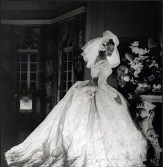 1950s Gorgeous wedding gown, designer and photographer unknown